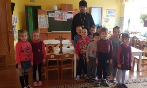 О почитании креста малышам